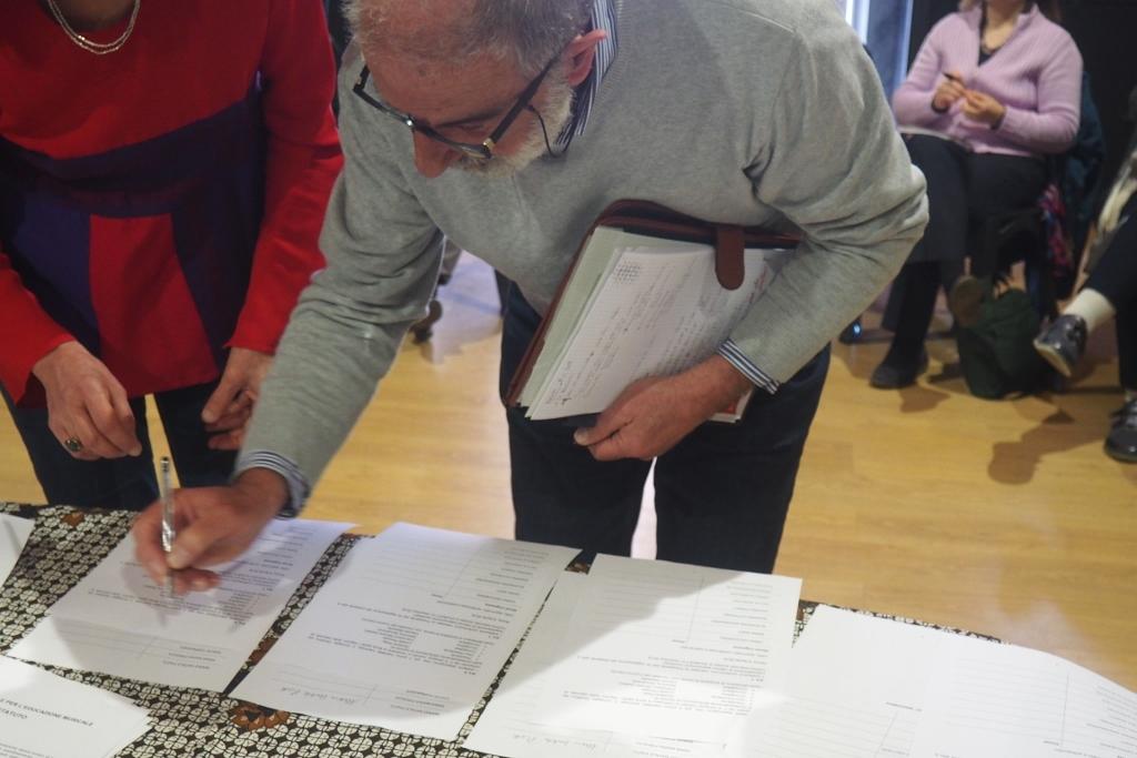 Mario Piatti, rappresentante nel Forum di CSMDB/Musicheria.net, firma lo Statuto